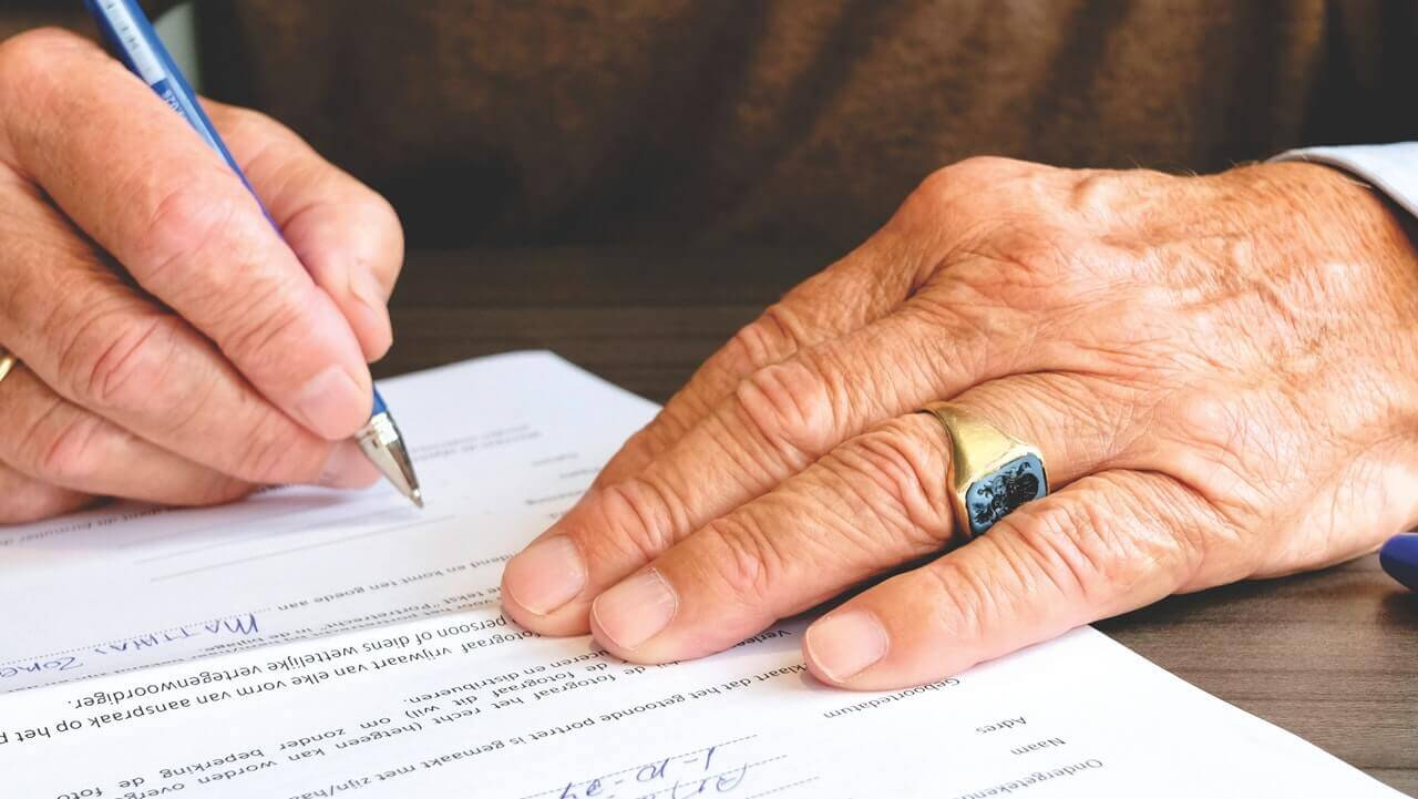 signing the lease agreement